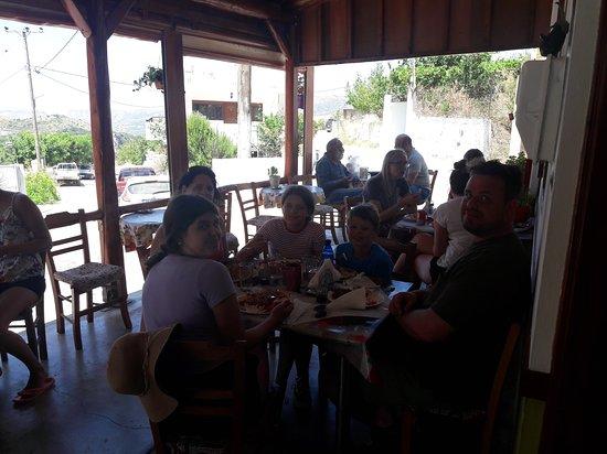 Amari, กรีซ: friends ta Ximeromata