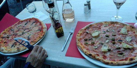 Bonneval-sur-Arc, فرنسا: Napoli et Quattro Stagioni : des délices !
