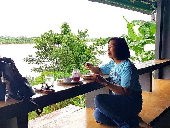 Tha Bo, Thailand: วันของคุณแม่..🥰
