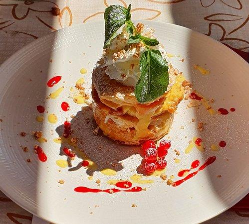 Il Balivo: Dolce con pesce e crema pasticcera