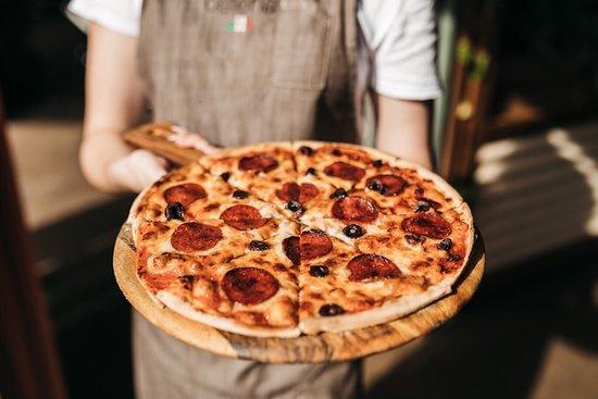 Casuarina, Australia: Classic pizza