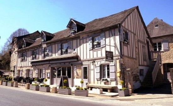 Le Lonzac, Франция: Hotel et Restaurant de Charme au Lonzac (19) La Table de Turlot