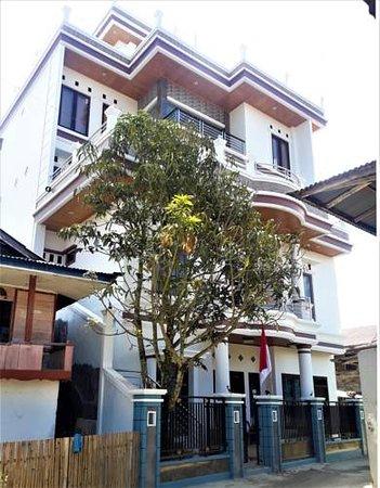 South Sulawesi, Indonésie: Tampak depan bangunan Toraja Lodge Hotel.