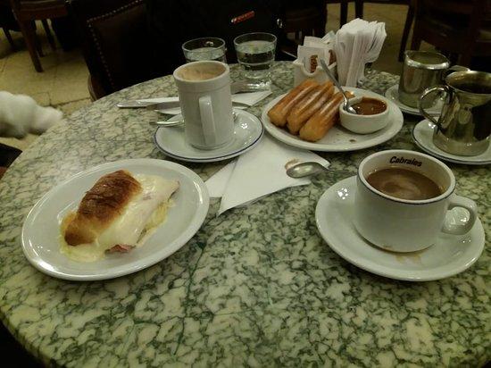 Valokuva: Cafe Tortoni