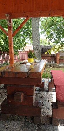 Pysely, Tsjekkia: Terrasse extérieure