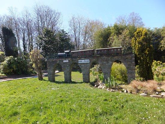Jardin du Moulin Neuf: Vue d'une partie du parc.