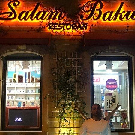 Super menzeresi super dadli yemekleri guleruz qarsilamalari   ve qiymetleri cox munasib restaurant  Salam baku cox beyendim beyendiyim ucunde qarwisinda sekil bele cekdirdim tez tez gelerem INSALLAH