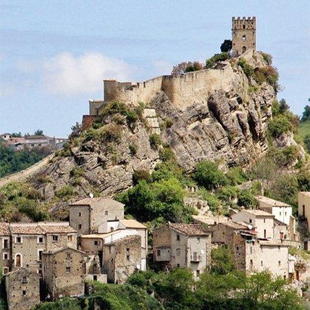 Roccascalegna, Italia: Castello medievale
