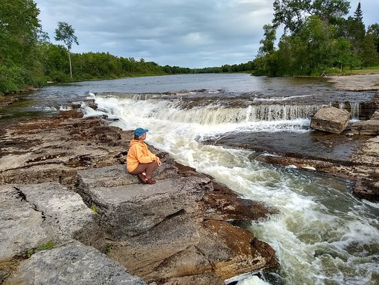 Eganville, Kanada: The 4th Chute rapids, right next to the Bonnechere Caves