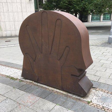 Kopf in der Hand