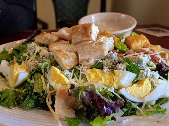 Mill City, OR: Cobb Salad