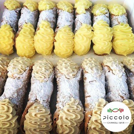 Vanilla and Ricotta Cannoli