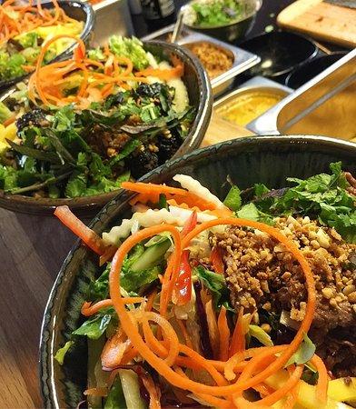 """Em oi cho anh order bát bún lá lốt !!"" -""Ich hätte gerne eine Bun La Lot bitte""#bunlalot #vietnamesecusine #ananstreetfood #foodporn #foodaddict #hamburg #vietnamesefood #likes #likeforlike #likeforfollow"