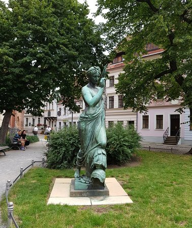 Nice statue in Nikolaikirchplatz