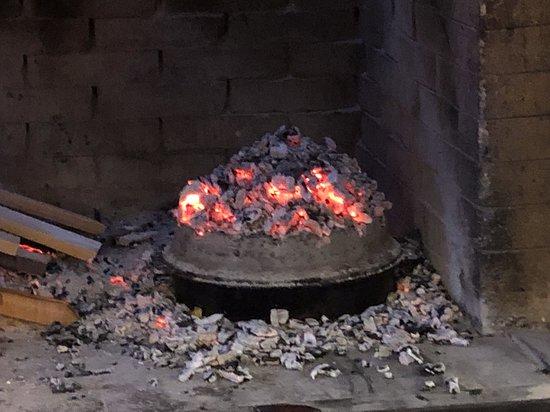 Kringa, Horvátország: la Peka sul fuoco