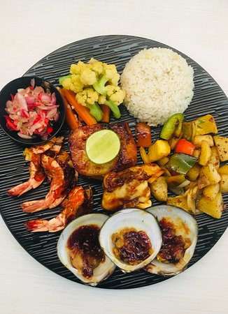 Batununggul, إندونيسيا: Seafood platter