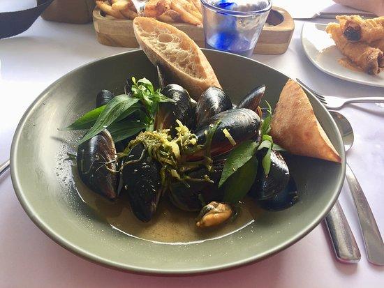 2 Fish Restaurant: Mussells