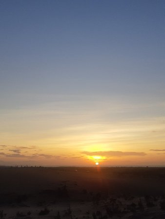 Sunrise at the White Sand Dunes