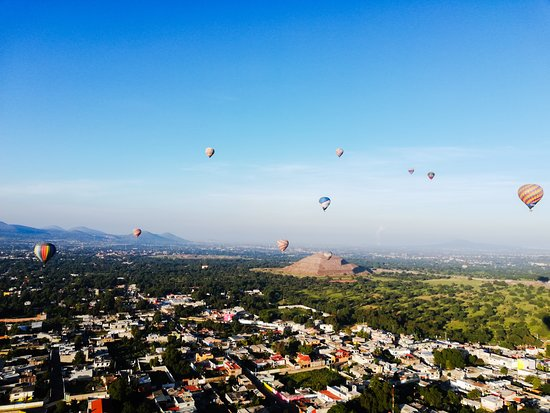 Ảnh về Hot Air Balloon Flight over Teotihuacan, from Mexico City