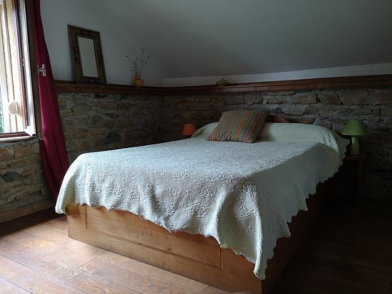 Issor, France : Chambres tout confort...!