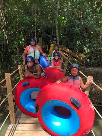 River tubing!!!!!🚣🏽♀️