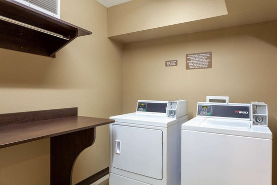 Microtel Inn & Suites by Wyndham Columbia/At Fort Jackson: Laundry