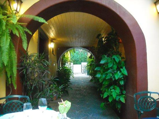 Casa Velha Restaurant: Entrance