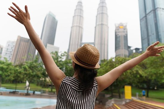 Skip-The-Line Petronas Twin Towers...