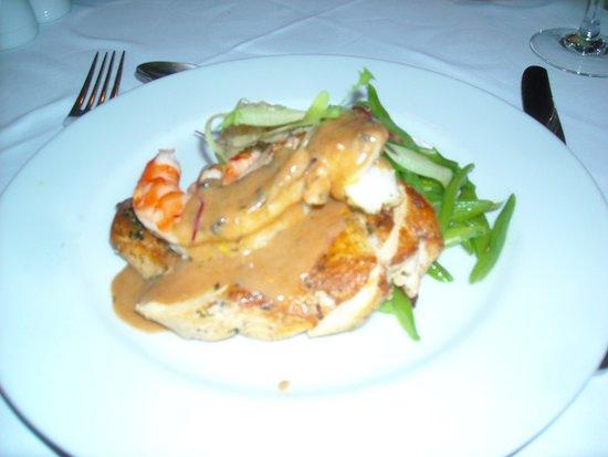 Casa Velha Restaurant: Chicken with shirimps