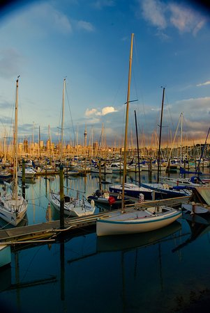 Chauffeured Tours: Auckland City of sails America's & Lipton Cup tours Auckland City Private Tour go sailing on a real America's Cup boat ©ChauffeuredToursnz North Island New Zealand tour