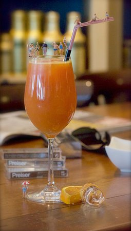 Frischgepresster Orangensaft, wenn die Orangen am besten sind...