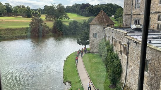 Leeds Castle, Canterbury Cathedral, Dover and Greenwich from London: Castello di Leeds