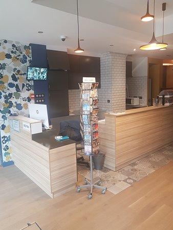 reception/ bar
