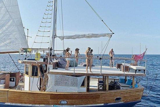最佳伊维萨岛/福门特拉岛经典的24吨帆船