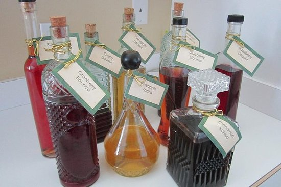 Fabricação e degustação de licores...
