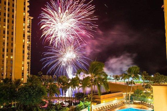 Hawaii Semisub VIP Friday Fireworks ...