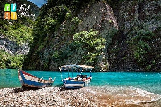 4天遊覽阿爾巴尼亞阿爾卑斯山,科馬尼湖,沙拉河和瓦爾博納到西部