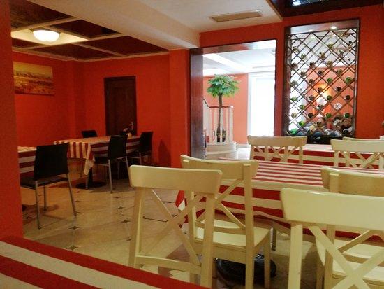 Ole London Hotel: Breakfast area