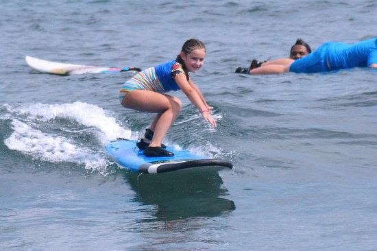 Beginner surf lesson for kids: Beginner surf lesson for kids