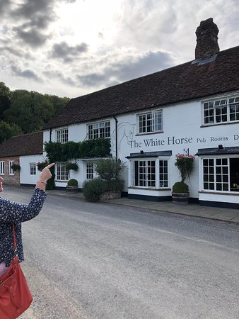 The White Horse: What a great find in a beautiful setting.