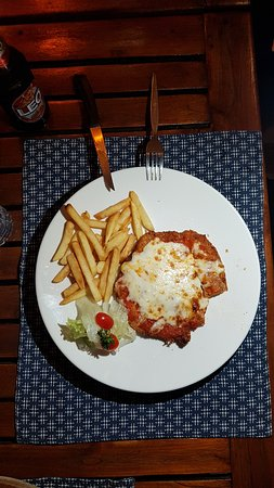chicken schnitzel with chips