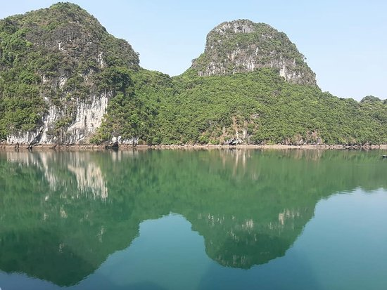 Halong Discovery: Indochine Junks
