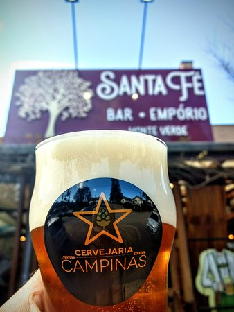 No Santa Fé você encontra as premiadas cervejas artesanais da Cervejaria Campinas. Nas torneiras e garrafas.