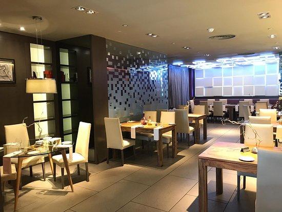 10 Best Villaviciosa De Odon International Restaurants