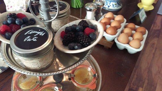 Beech Tree Inn- Brookline: Homemade applesauce