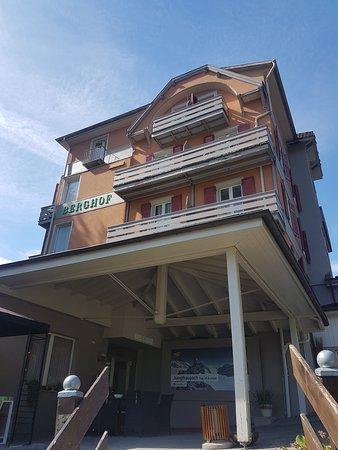 המלון מהכניסה