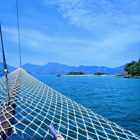 Doce Angra Turismo: Vista da escuna para Ilha de Cataguases (Angra dos Reis)
