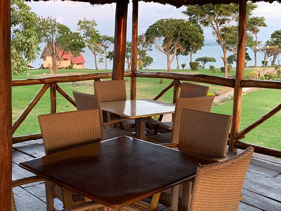 The Look out-order some food and drink while taking in the island views