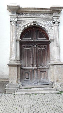 Porta lateral.