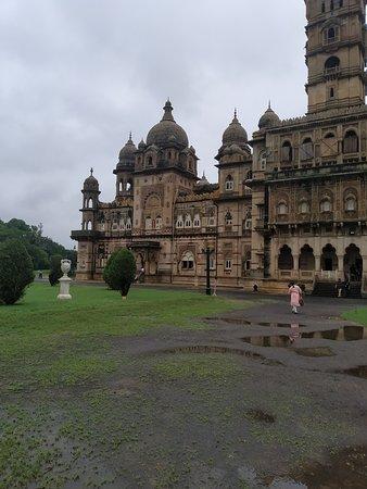 Lukshmi Vilas Palace: Front View